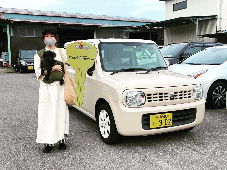 .納車させていただきましたお客様(//∇//)..スズキアルトラパンW様(*´◒`*)..BMW X5からのお乗り換えです(//∇//)..ワンちゃんをこよなく愛するお客様で、お車もワンちゃんファーストな素晴らしいかたです(*^▽^*)..新しいお車でワンちゃんも喜んでますね!!..ありがとうございました!!...お問い合わせ先ガレージコンプリート0287-47-5544直通(八木澤)090-2227-2320.#ガレージコンプリート#ガレコン#西那須野#那須塩原#車買取#オートリース#新車リース#定額リース#中古車販売#中古車#新車販売#笑売#地域密着#地域貢献#ガレコング#ピンクのゴリラ#車屋さん#街の車屋さん#業販大歓迎#共存共栄#自分に合った車を乗ろう#車好きな人と繋がりたい#オンライン商談#オンライン査定 #ラパン #ワンちゃんファースト